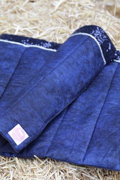 Handgefertigte Bandagierunterlagen blau mit blauer Paillette und silber Kordel